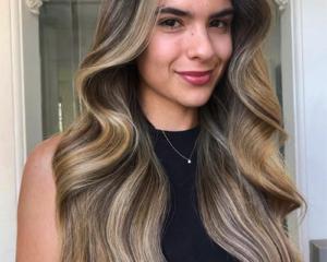 OPVALLENDE HIGHLIGHTS 4 Your Hair Zutphen